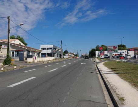 De Chemin Chatry à Rue Alexis Labro : sur le segment le plus au Sud (face au Auchan / La Foir'Fouille)