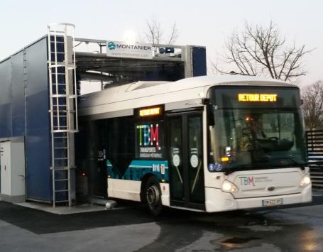 Une station de lavage sur le site du dépôt de bus Lescure à Bordeaux