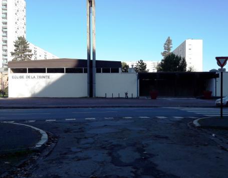 Une rue passe aujourd'hui devant l'Église de la Trinité. Elle deviendra un parvis entièrement piéton et cyclable jusqu'au parking de la Place de l'Europe