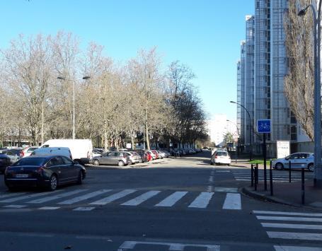 Maison du projet du Grand Parc (janvier 2017) - La rue Portmann aujourd'hui, le bâtiment Ingres à droite, la place de l'Europe à gauche
