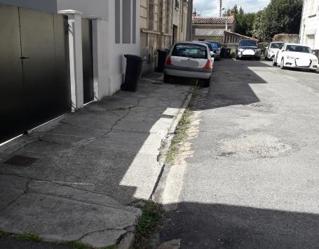 Vue du fond d'impasse de la Cité de Vadelaincourt à Bordeaux