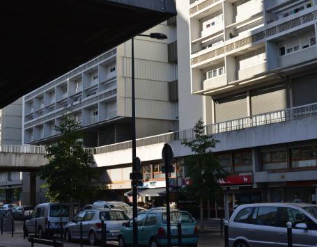 Commerces dans le quartier Aubiers-Lac à Bordeaux