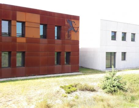 La clinique du sport Bordeaux-Mérignac, le long du boulevard technologique