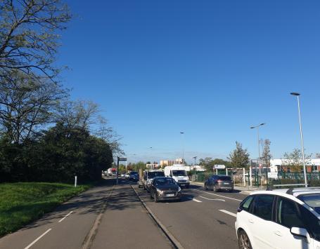 L'avenue de Terrefort reliant la gare de Bruges et la clinique Jean Vilar, flux de circulation importants