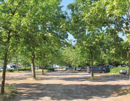 La place Voltaire, dans le quartier du Haut-Cenon : l'une des places à réaménager dans le cadre du PAE Camille Pelletan