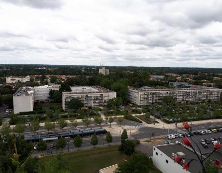 Le quartier Dravemont vu depuis un balcon de la résidence Blaise Pascal Corneille à Floirac