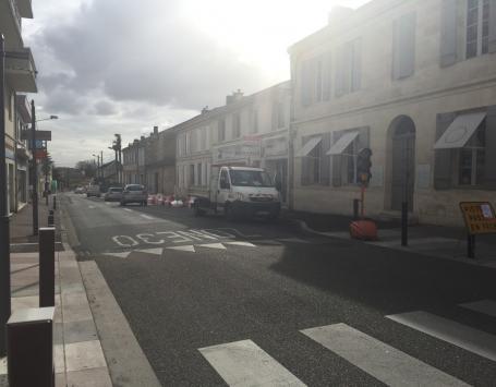 Cours du Général de Gaulle à Gradignan depuis l'avenue de la Libération