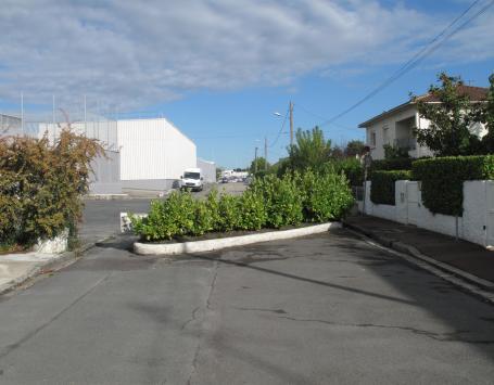 Enseignes commerciales et zones pavillonnaires à Mérignac Soleil