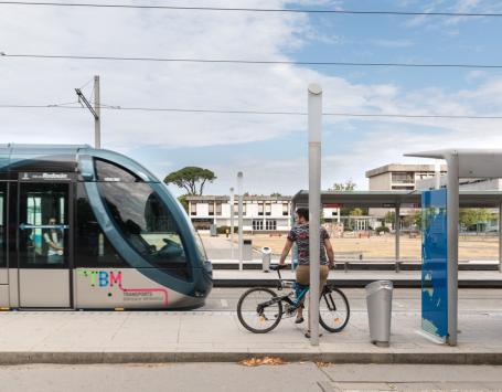 La station de tramway Montaigne Montesquieu