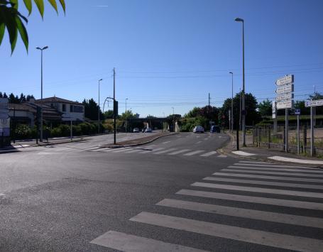 Carrefour Chateaubriand Nord avec les voies Jaures et Laugaa