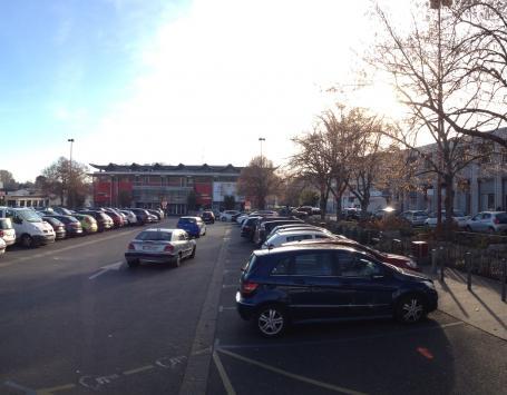 Exit Paysagistes Associés - Place de la République à Saint-Médard en jalles aujourd'hui – Parking Nord
