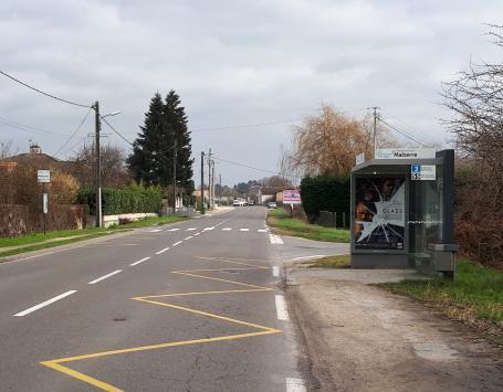 Les arrêts de bus ne sont pas aux normes d'accessibilité